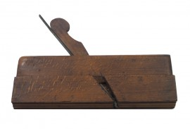 EARLY 18th CENTURY OGEE MOULDER